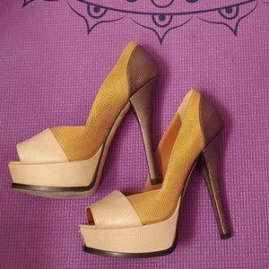 Fendi tri color heels
